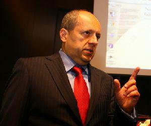 Mihai Bogza, ingrijorat de continuarea neperformantei creditelor si in 2010