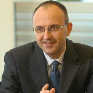 Rasvan Radu, UniCredit Tiriac Bank: Numarul clientilor bancabili este redus