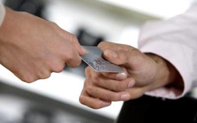 Firmele nu se inghesuie sa-si faca carduri business