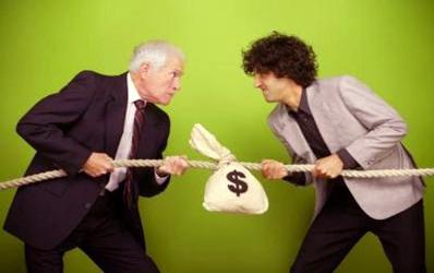Cum te pedepsesc bancile daca scoti bani de pe card