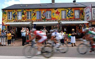 Banii bancilor si asiguratorilor imping pedalele in Turul Frantei