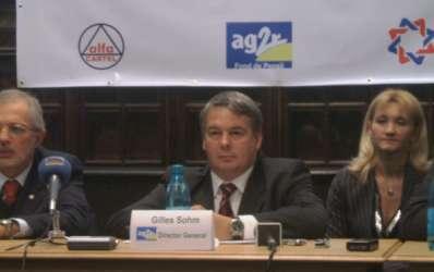 AG2R atrage clienti pentru pensii cu comisioane mai mici