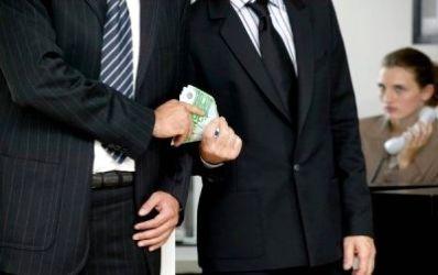 Goana agentilor dupa comisioane afecteaza planurile administratorilor de fonduri de pensii