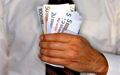 Populatia a imprumutat anul trecut de la banci peste 8 miliarde de euro
