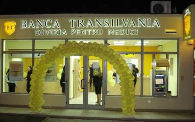 Ce a realizat zanul Bancii Transilvania in halat alb