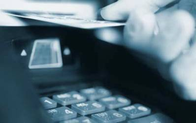 BCR a depasit 1.500 de bancomate si 2,4 mil. de carduri active