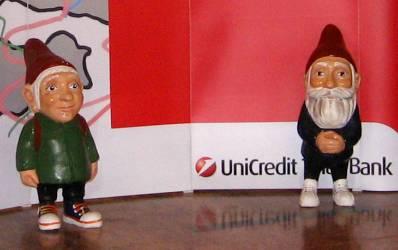 UniCredit depaseste 150 de unitati si vrea sa dezvolte self-banking
