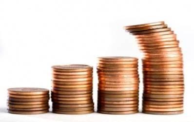 Bancile concureaza pentru banii romanilor cu dobanzi record
