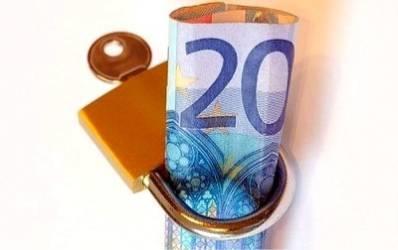 Isarescu: Ne gandim la noi masuri pentru descurajarea creditului in valuta