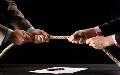 Bancile devin mai agresive in furtul de clienti