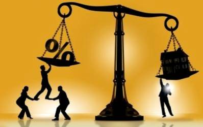 Bancile au relaxat creditarea cu pretul cresterii comisioanelor