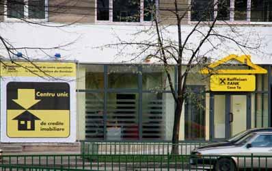 Raiffeisen Bank pune accent pe unitatile specializate