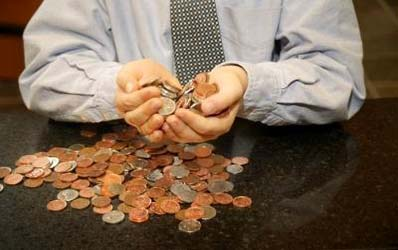Creditele si economiile, pe tobogan in octombrie