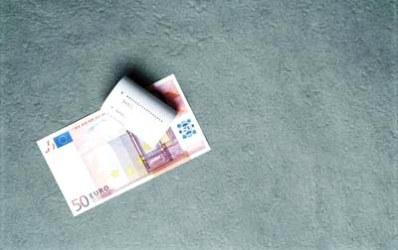 Creditul in lei s-a scumpit mai mult decat cel in euro
