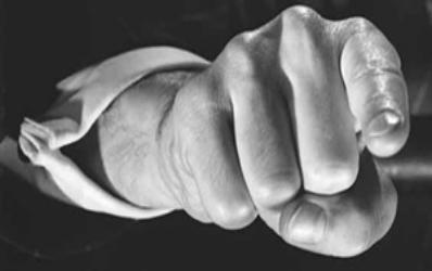 Allianz-Tiriac acuzata ca a incasat prime de la unii clienti fara sa-i asigure