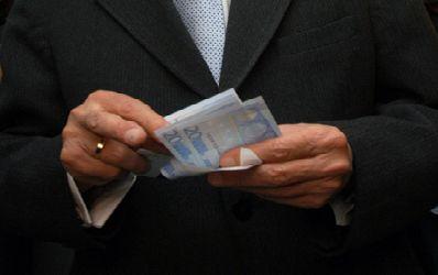 Previziuni sumbre: Curs de 4,8 lei pentru un euro pana la sfarsitul anului