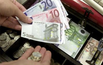 Opt banci au imprumutat Statul cu un miliard de euro