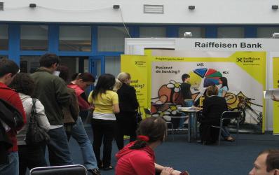 Raiffeisen Bank da credite mici de pana la 12.500 lei pentru IMM-uri