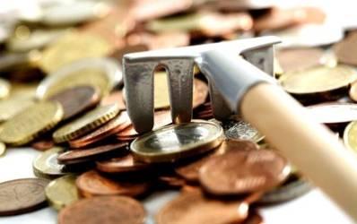 Doua banci straine au retras 2 miliarde de euro din piata romaneasca