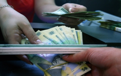 Romania afectata de cursul de schimb: 500.000 de persoane cu ipoteci nu le mai pot achita!