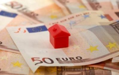 O noua belea pentru clienti: bancile reevalueaza locuintele ipotecate