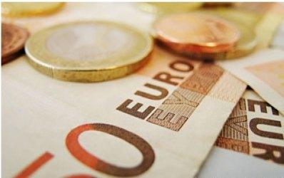 Creditele in valuta mentin interesul romanilor pentru imprumuturi