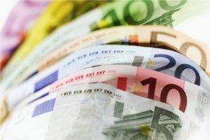 400 de milioane EUR plimbati prin servicii de transfer rapid