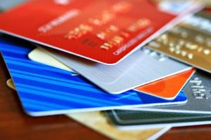 Piraeus Bank rotunjeste bugetul de cumparaturi al clientilor sai