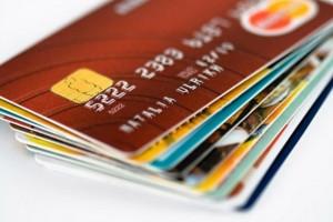 Cat costa utilizarea cardului in strainatate?