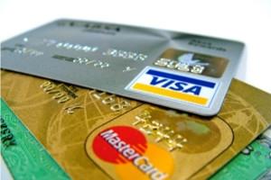 Sute de mii de romani ar putea fi nevoiti sa renunte la cardurile de credit