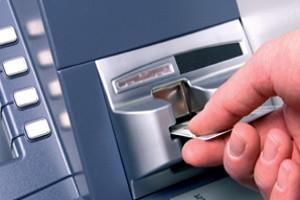 Piraeus Bank intrerupe sistemele de carduri si ATM-uri pentru cateva ore sambata, 19 ianuarie